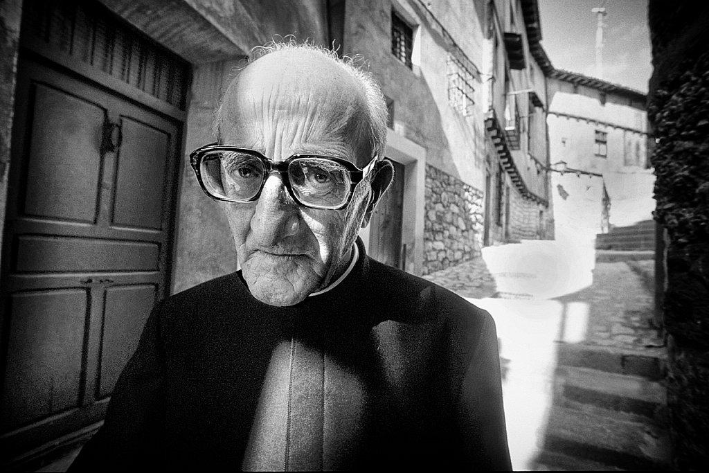 priester.jpg